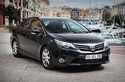 Toyota Avensis: rent now